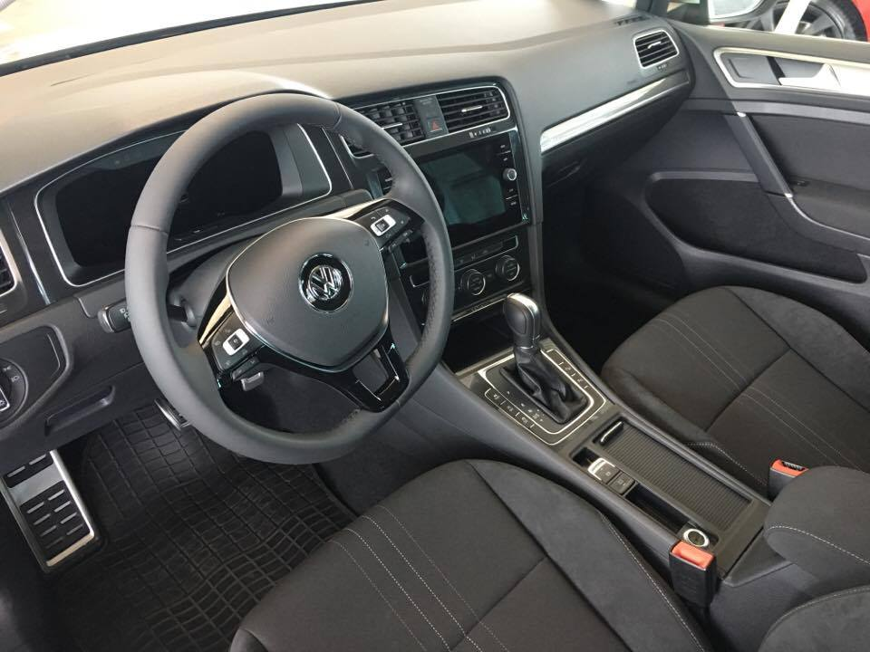 Golf alltrack2.jpg